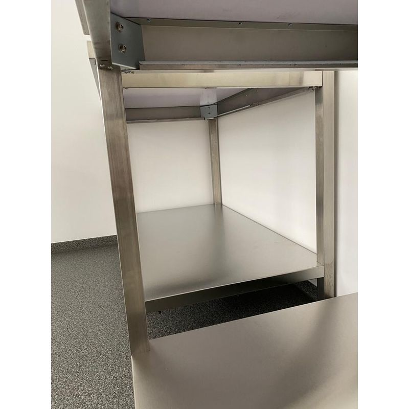 Stainless steel table medium